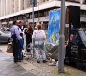 kunstaktion-friedrichstrasse-berlin